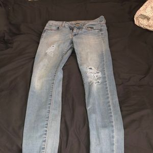 American Eagle ripped jegging jeans